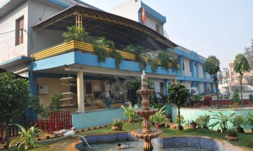 Dayanand Model School