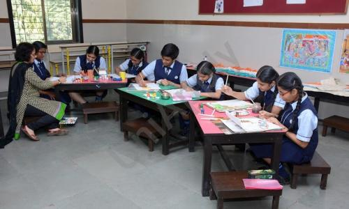 Smt. H.M. Nanavati English High School