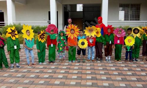 Pandurang International English School