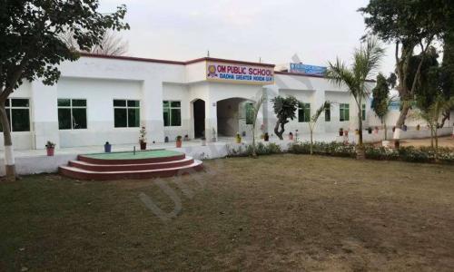 Om Public School