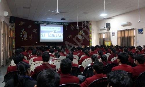 Sun Valley International School